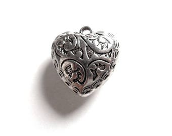 """2 X heart """"Delicious"""" 2.6 cm 3D domed about 1.4 cm, acrylic silver, scroll work decoration, very light"""