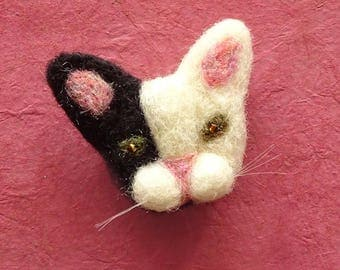 Needle Felted Cat Brooch | Cat Christmas Gifts | Cute Cat Face | Stocking Stuffer Cat Pin Badge | Christmas Jewelry Gift | Little Cat Gifts
