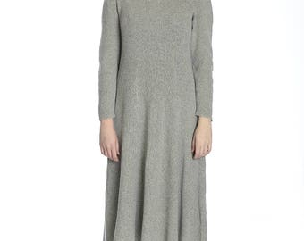 Warm knitted dress, XL size. Made of wool.