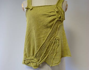 The hot price, light green linen top, M size.