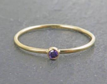 Anillo Purple Zirconia