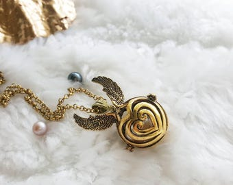 Golden Snitch Necklace, Harry Potter Inspired Necklace Pearl Cage, Open an Oyster Akoya, Pick a Pearl, Harry Potter Gold Snitch Necklace