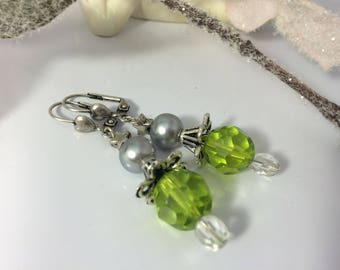 Earrings ' ear romantic Emerald glass beads