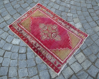 Small tribal rug,26''x36''-65x91cm -