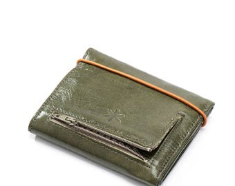 green leather wallet woman - womens wallet - green wallet - credit card wallet - cool wallet for her - birthday gift for her - RUBBERW