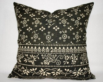 Beautiful Charcoal Gray Vintage Handmade Batik Pillow Cover / Old Chinese HMONG Batik Fabric Pillow Case / Ethnic Textile Cushion Cover