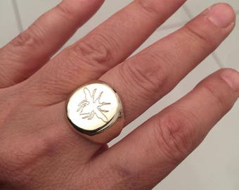 Personalized Ring, Signet Ring, special Gift for women / men, Coat of Arms Family Crest Ring, Crest engrave ring, Pinky ring, gold ring