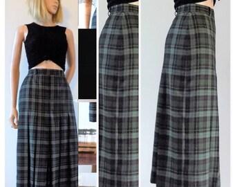 Vintage French check plaid skirt green tartan pleated skirt kilt size 27/28 inch waist