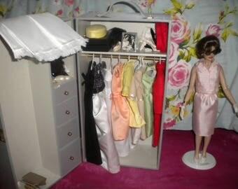 Poupee Jackie Kennedy and her wardrobe