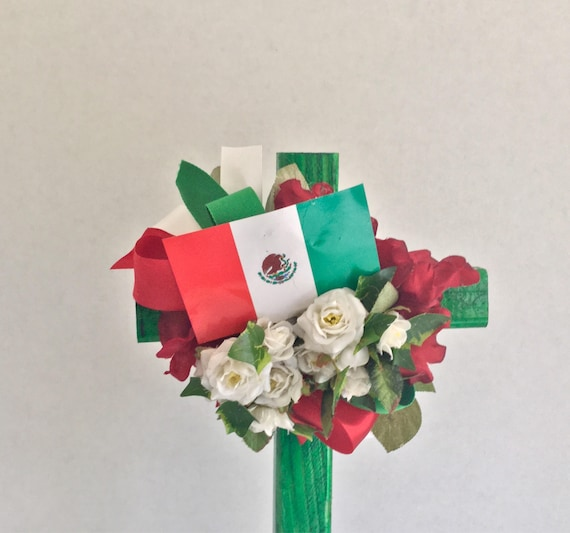 Flag of Mexico, Mexican colors of flag, red green white, Wooden Cross, Cemetery Cross, Grave flowers, Roadside Memorial, Grave Marker