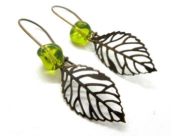 Earrings sleepers leaf filigree bead Green