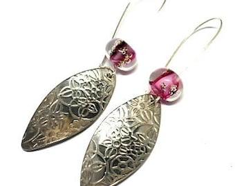 Earrings sleepers flowered and pink bead