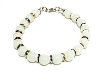 Bracelet round white beads and ceramic metallic