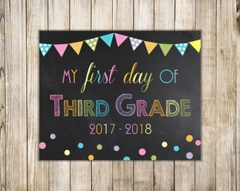 RAINBOW FIRST Day of SCHOOL Sign, Girl 1st Day of 3rd Grade Sign, Boy First Day of Third Grade, Chalkboard Back to School, Instant Download