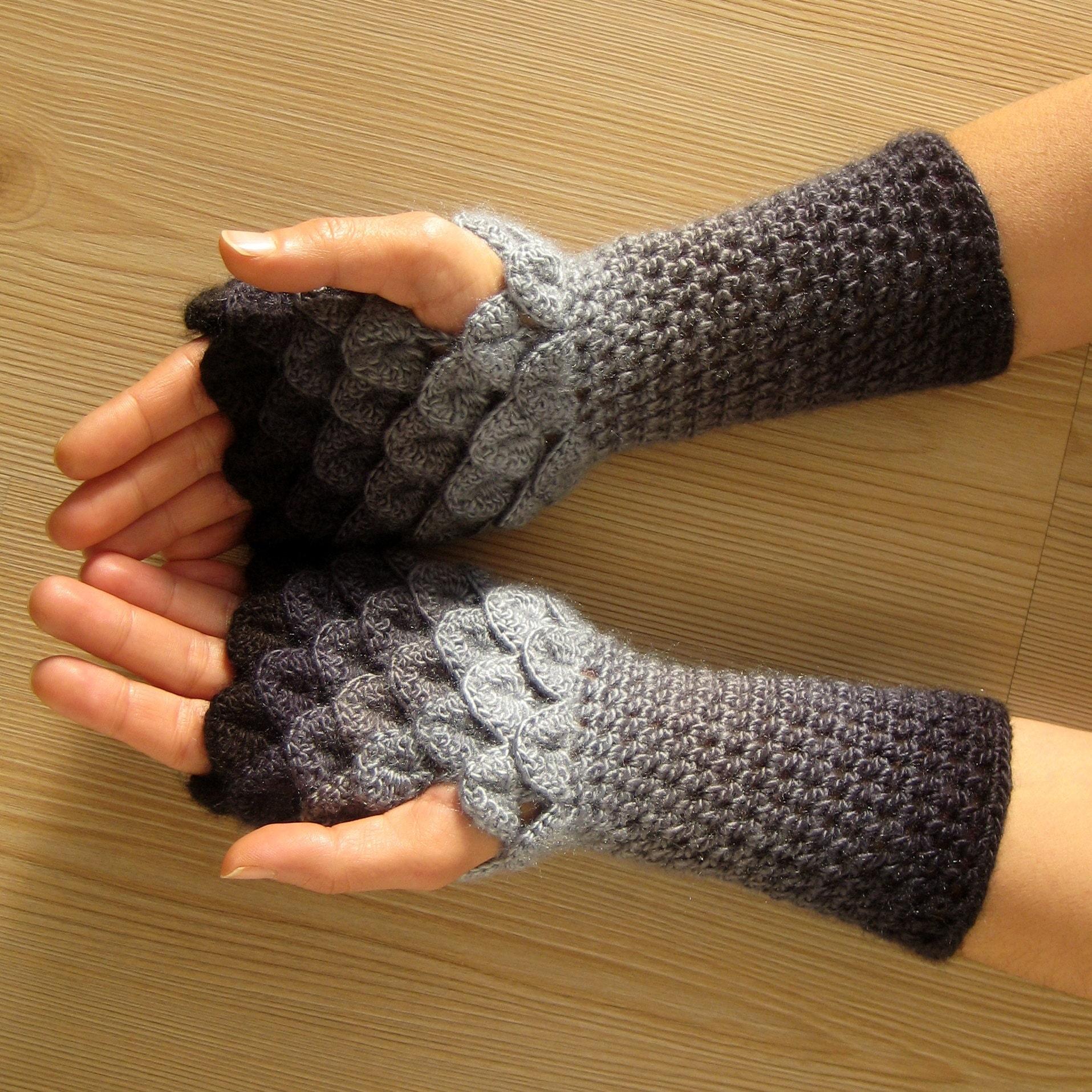 EXPRESS SHIPPING light gray owl fingerless gloves knit