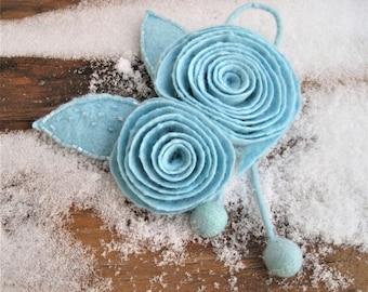 Turquoise blue brooch Felt flowers Light blue brooch Turquoise brooch Wool jewelry Blue brooch Felt pin Felt brooch Felt jewelry Blue pin
