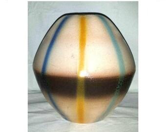 Vintage Modernist Pottery Vase,Pillow Vase,Plaid Vase,EGG Shaped Vase,Pottery Vase,MCM,Pillow Vase,Pop Culture,Tartan,Oval Vase,Modernist