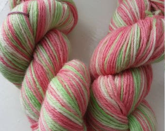 Double drumstick. 100g of gorgeous squishy 4ply sock yarn