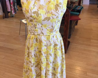"Sweet Buttery Yellow Floral 50s Dress - ""Young Cosmopolitans"" by Best and Co. - XS"