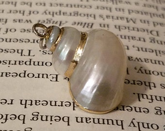 Little mermaid style Ursula's Necklace Shell Pendant