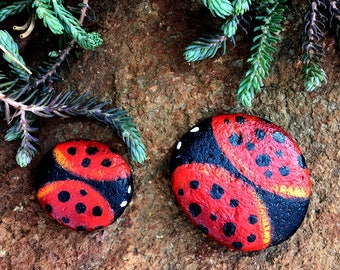 Painted Ladybug Rock Magnets, home decor, painted rocks, Ladybugs, magnets, rock art gifts, Decorative rocks
