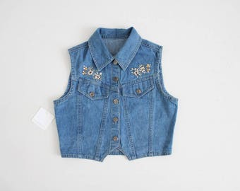 cropped denim vest | floral denim vest | floral embroidered denim