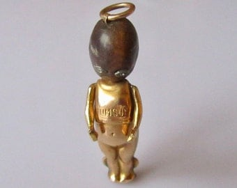 15ct Gold Fumsup Touchwood WW1 Lucky Charm