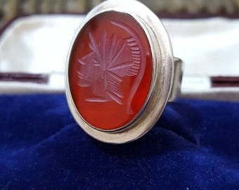 Vintage 1975 sterling silver men ring,red chalcedony,centurion intaglio, size o