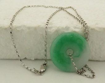 "Vintage 18 kt White Gold Natural A Jade Bi ( 1"" Diam) Pendant w/ 18"" Chain."