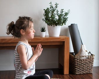 Children's Zafu crescent Moon Amma Therapie   Meditation Cushion & Relaxation   Buckwheat hulls   Canvas Cotton natural   White rain print