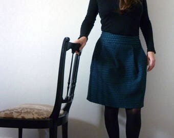 Chic pleated skirt, emerald green and black with small patterns