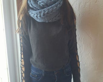 Infinity scarf with three braids, blue, two laps, knitted by hand, made of bulky yarn