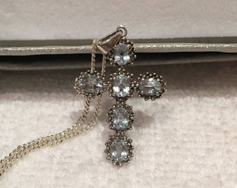 """Absolutely Gorgeous Vintage Sterling SILVER and BLUE TOPAZ Cross Pendant-On 45cm (17.75"""" inch) Quality Sterling Silver Chain"""