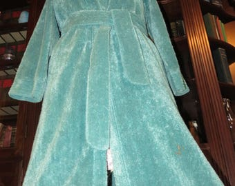 JEWELTONE Teal Plush 'n Cozy Vintage Chenille Robe  ~ Warm, Soothing Color on a Lovely Retro Bathrobe ~ Fits up to M?
