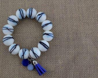 Bead Bracelet / White Bracelet / Charm Bracelet