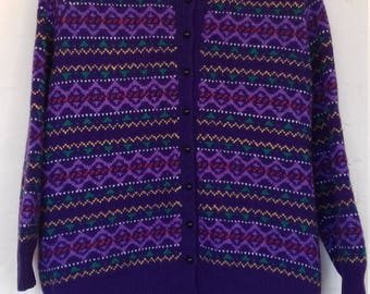 Purple vintage knitted cardigan (size M/L)