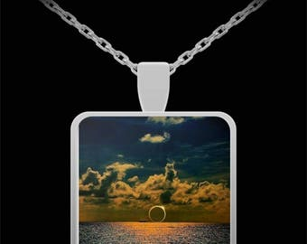Total Eclipse Necklace 2017 Actual Photo Graces Pendant Jewelry Commemorative Gift Valentine Birthday Gift