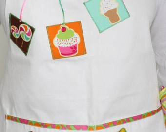 White cupcake fantasy Apron