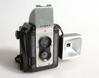Vintage Argus 75 TLR Camera with Flash//Art Deco Camera//120 Film Camera