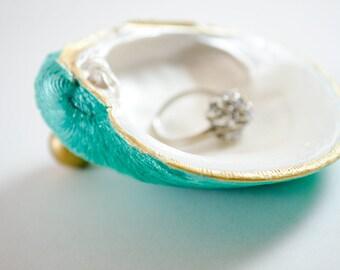 Shell Ring Dish.Emerald Seafoam