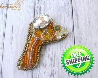 Gold Fish Brooch Pin Orange Koi Fish Animal embroidered accessories Beaded Sparkling glitter Crystal pin Coat pin Beaded Beadwork brooch