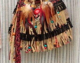 Hobo bag with fringe, sac boheme, bohemian fringe bag, vintage hobo bag, native american cross body bag, hippie sac, upcycled purse,