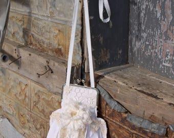 Crossbody kiss Lock Frame Purse - Shabby Farm Girl Chick - Vintage Lace - Gypsy - BOHO