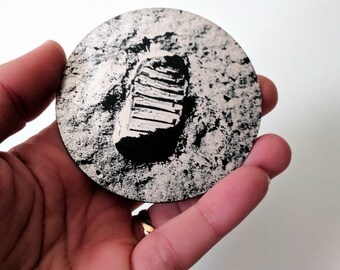 Buzz Aldrin bootprint on the surface of the moon, from the first moon landing in 1969, laser engraved magnet. NASA Apollo