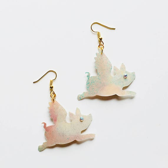 Flying pig earrings - Pig with wings drops earrings - Trending jewelry - Pigs jewelry - Rockabilly Jewelry - Novelty animal earrings