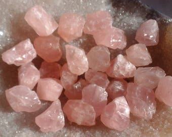 Raw rose quartz - De 15.01 at 20.00 gr