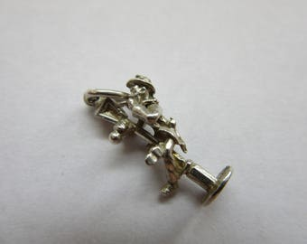 vintage sterling silver charm drunk man on a lampost