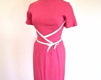 SM 50s 60s Pink Sheath White Piping Bow Wiggle Dress Linen Vintage Day Dress by Alison Ayers Small Medium