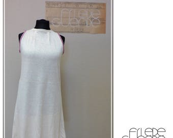 Dress in organic linen Jersey, with small folds at the neckline