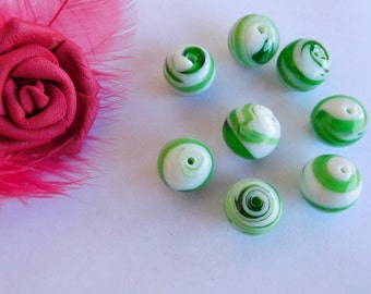 Set of 10 Lampwork Glass 12 mm Green and white beads